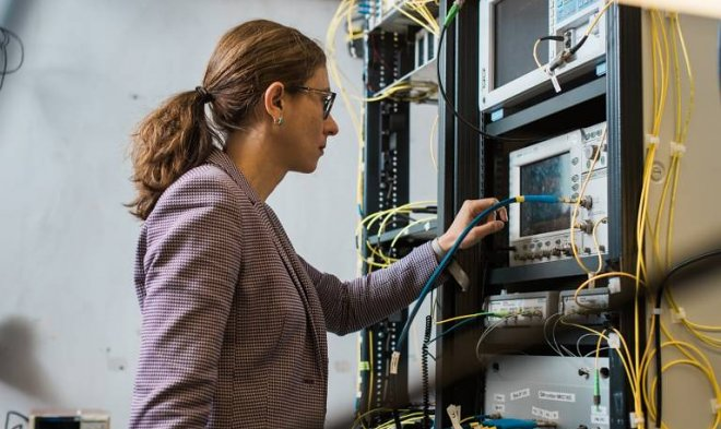 Скачать все сериалы Нетфликс быстрее, чем за секунду? Это теперь возможно для команды ученых, установивших новый рекорд по скорости интернета в 178 Тб/с.