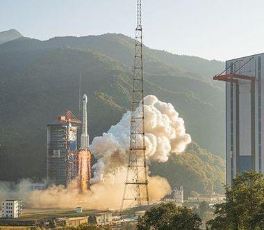 Китай запустил в космос спутник с тайной миссией